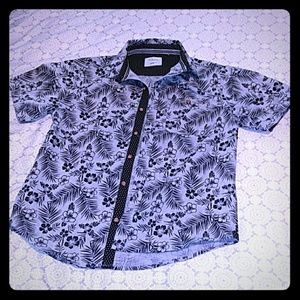 Boys botton up collar shirt